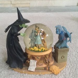 Wizard of Oz musical water globe